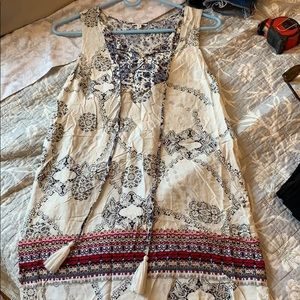 NWOT en creme paisley mini dress